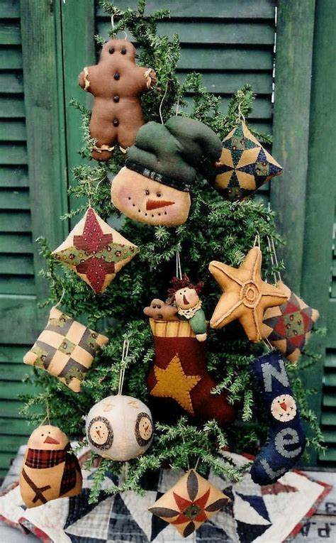 The Country Cupboard Primitive Folk Art Christmas Tree
