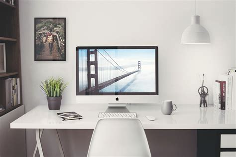 iMac Office Mockup - Free PSD - Dealjumbo