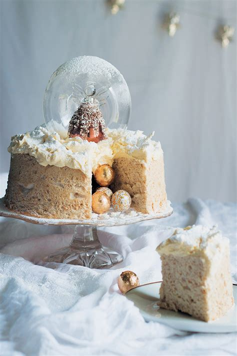 Angel snow-globe cake with brandy-butter icing recipe