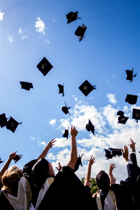 40 Graduation Cap Ideas That Will Blow You Away - College
