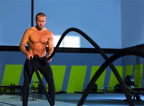 WatchFit - Crushing battle ropes workout for true fitness